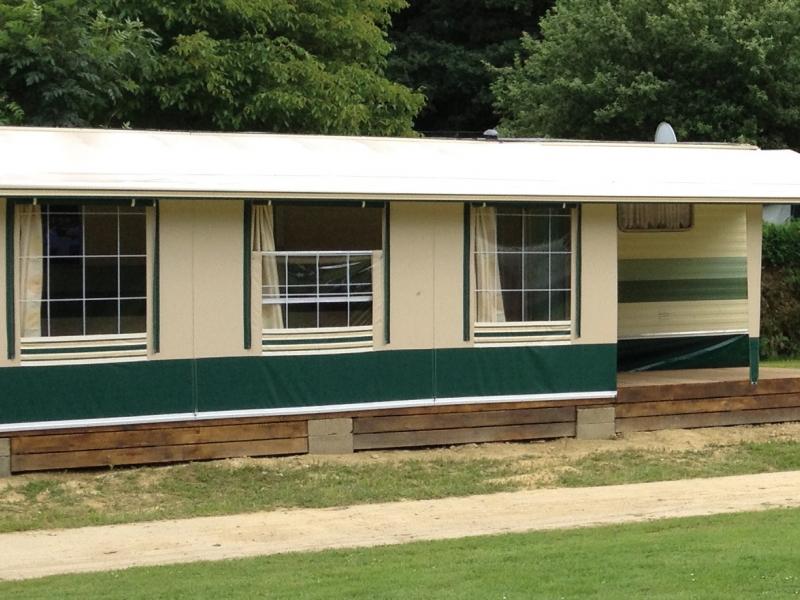 Auvents pour caravanes résidentielles avec structure profilée